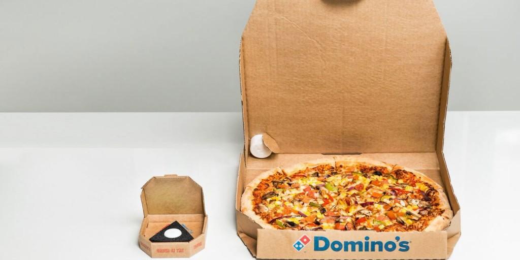 domino's pizza button